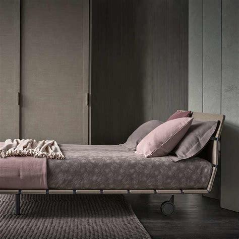 Bett Yoma by Doppelbett Tadao Flou Auf Deco De