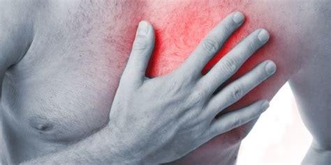 schmerzen in der linken brust beim liegen brustschmerzen