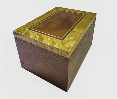 Handmade Keepsake Box - keepsake box mahogany with satinwood cross band