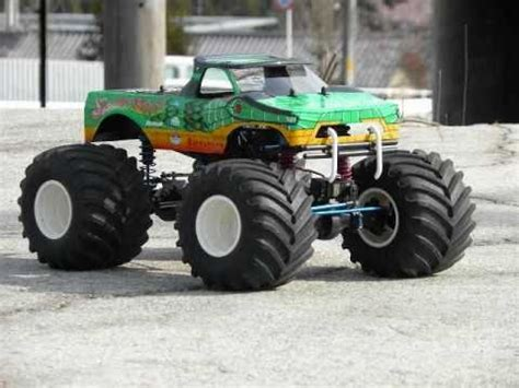 rc monster truck freestyle videos monster truck challenge rc tracks r us