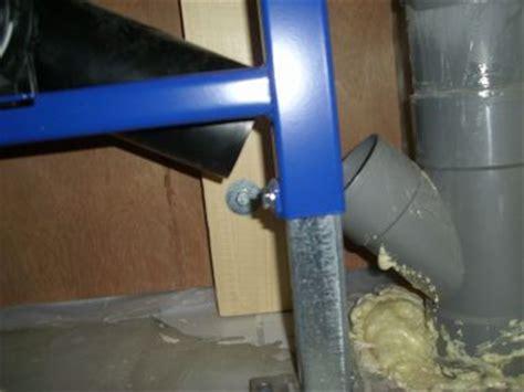 inbouwreservoir toilet stuk wc afvoerleiding van 75 mm aansluiten op 110 mm