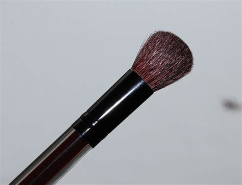 Kevyn Aucoin Contour Brush kevyn aucoin contour brush the non