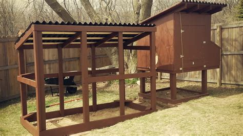 easy backyard chicken coop plans easy to clean backyard suburban chicken coop free plans