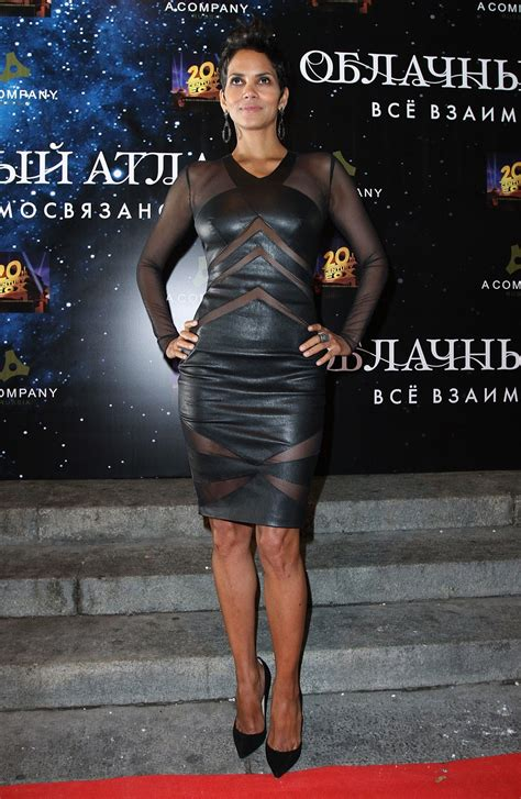 Frock Horror Of The Week Halle Berry by The Toe Cleavage Week Halle Berry