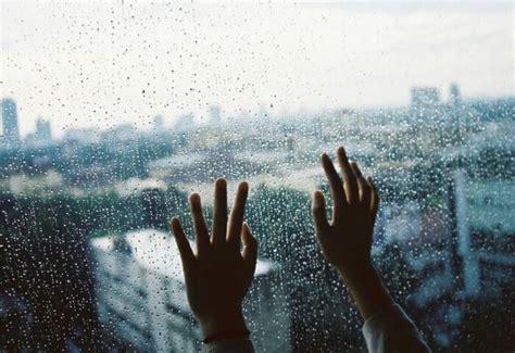 kata kata hujan romantis  menyentuh hati  bikin baper