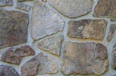 Batu Muntai gambar lantai batu besar hidangan makanan artistik