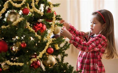 Family Natal I Do tree decorations wishes greetings