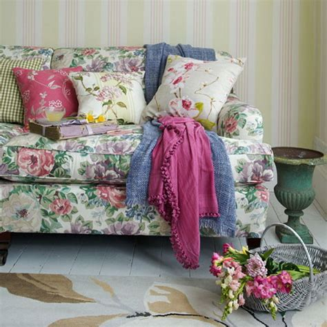 floral couch living room country living rooms decorating ideas ideas for home