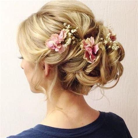 Hochzeitsfrisur Geflochten Blumen by Brautfrisur Mit Blumen Trends Ideen 2018
