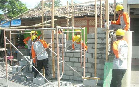 Harga Tukang Batu by Harga Upah Tukang Pekerja Bangunan Harga Bahan Bangunan