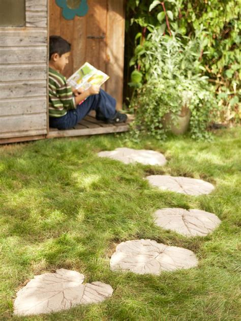 backyard stepping stone ideas 30 beautiful diy stepping stone ideas to decorate your