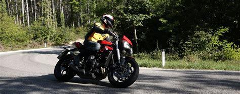 Motorrad Test A2 by Test Triumph S A2 Testbericht