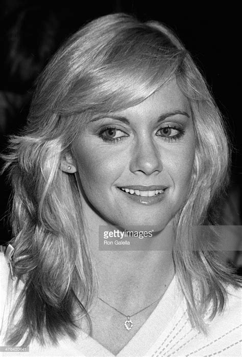 olivia newton john 1980s hairstyles olivia newton john 1980 lil blonde darling olivia newton