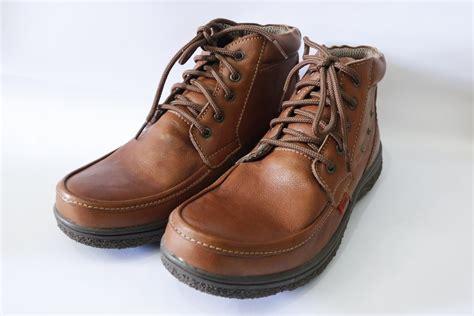 Sepatu Pria Boot Casual Kerja Kuliah Kickers Kulit Asli 1 97 jual sepatu kulit pria murah jual kickers