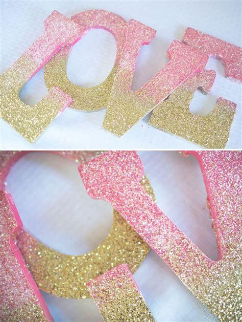lettere glitter best 25 glitter letters ideas on letters