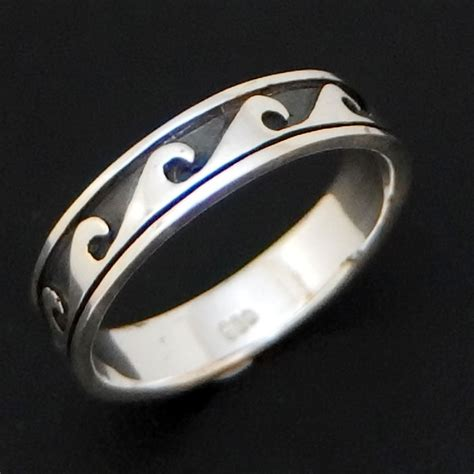 Mm Silverve Ring Silver Surfers