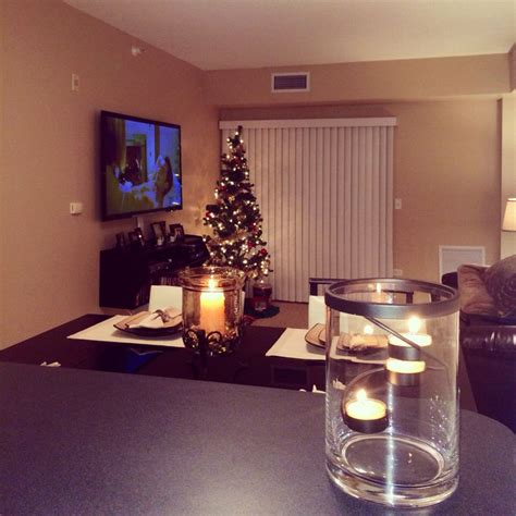 Holiday Decorating Ideas For A Little Apartment | small apartment decorating ideas future room decor