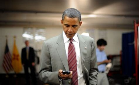 what phone does president use using an iphone isn t as easy as it looks just ask obama crackberry