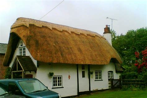 Cottage Description File Thatched Cottage Cookhill Jpg Wikimedia Commons