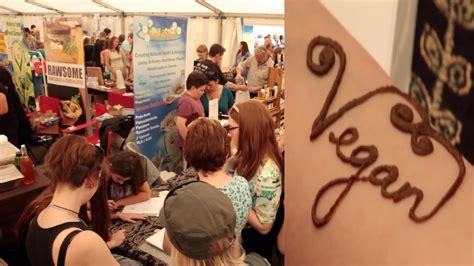 henna tattoo vegan vegan henna tattoos vegfest bristol 2015