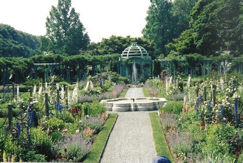 Garden Ronkonkoma wordless wednesday westbury garden island gem