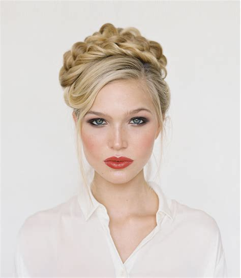 hairstyles for holiday party 10 holiday party hairdos and hairstyles