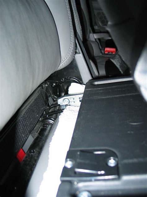 comment mettre un siege auto auto isofix system images