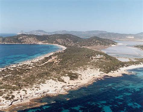 playa de nudistas en ibiza 18 baluart videoroll el tiempo en las playa de es cavallet