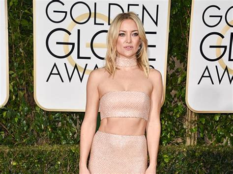 Kate Hudson Has Abs by How To Dress Your Abs Inspired By The Golden Globes