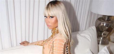Nicki Minaj Chair by Nicki Minaj Throw Security Guard S Phone Across
