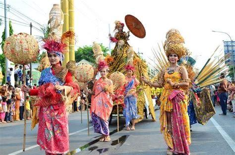 foto foto karnaval pekan batik nusantara batik pekalongan