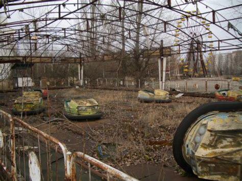 abandoned amusement park 10 haunted abandoned buildings around the world jezzbean