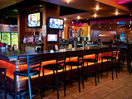 top sports bars in philadelphia top places to watch the philadelphia phillies 171 cw philly