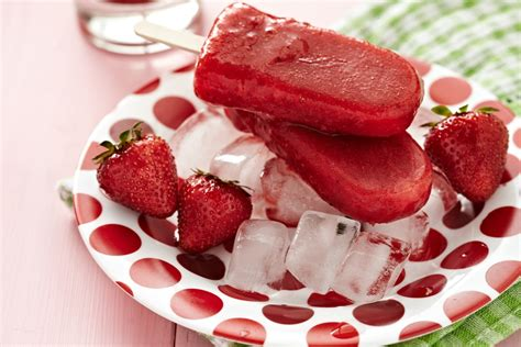 diy healthy popsicles healthy strawberry popsicles healthy living hub