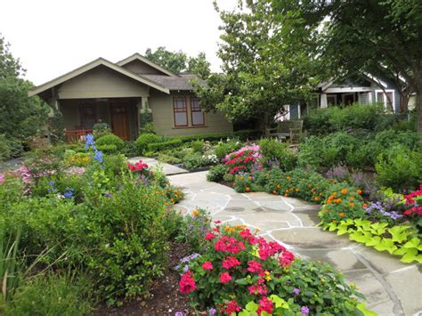 the other houston bungalow front yard garden ideas the other houston great bungalow garden ideas