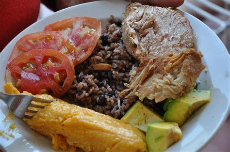 recetas de comidas cubanas comida cubana tamal aguacate congri y lechon glenda
