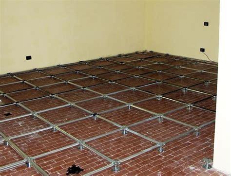 piastrelle galleggianti per terrazzi pavimento galleggiante pavimentazioni quando si usa il