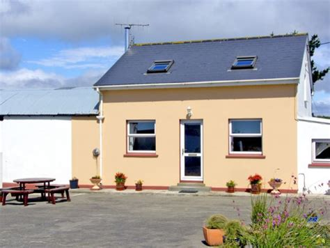 Sea View Friendly Cottages by Friendly View Skibbereen County Cork