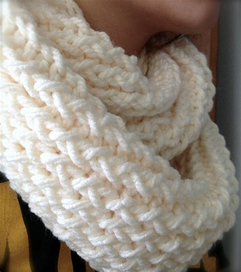 loom knit infinity scarf diy how to use a knitting loom to make an infinity scarf