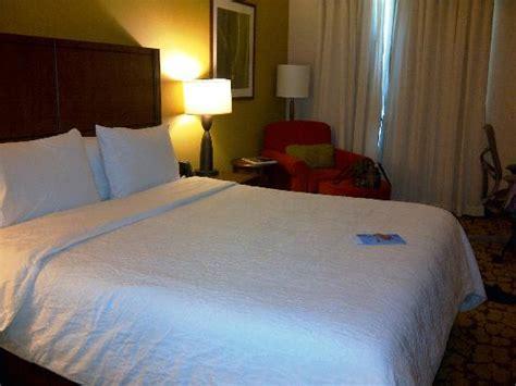 cama king panama habitacion con cama king fotograf 237 a de hilton garden inn