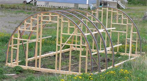 faire une serre de jardin avancement de la serre le jardin d olivier