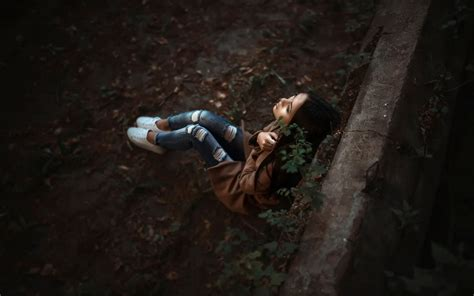 wallpaper lonely girl sitting alone sad alone lonely girl lost in old memories sitting under