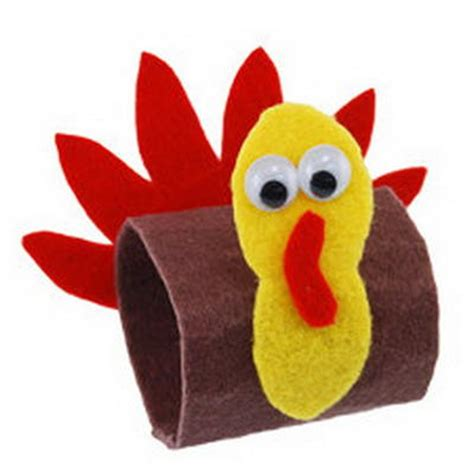 Toilet Paper Guide by 20 Creative Turkeys Made With Toilet Paper Rolls Guide