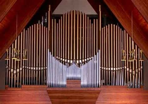 File Pipe Organ At Kirksville Christian Church Jpg Random Thoughts About The Pipe Organ One Christian