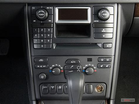 image  volvo xc   awd auto instrument panel size    type gif posted