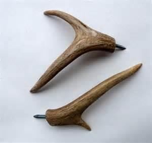 Rustic Bathroom Towel Racks - deer antler coat hooks