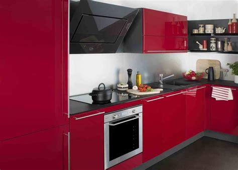 agréable Cuisine Blanche Plan De Travail Gris #8: cuisine_rouge_design_modele_aromatise_darty.jpg