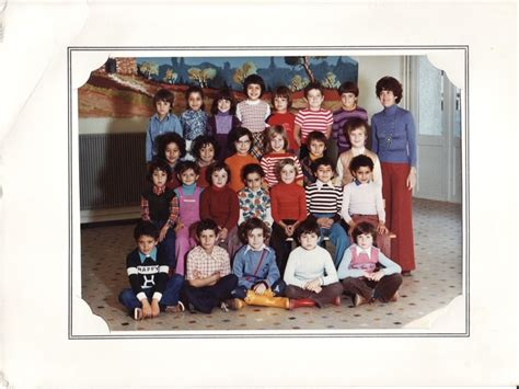 photo de classe mne hach 233 ce1 salon de provence de 1976