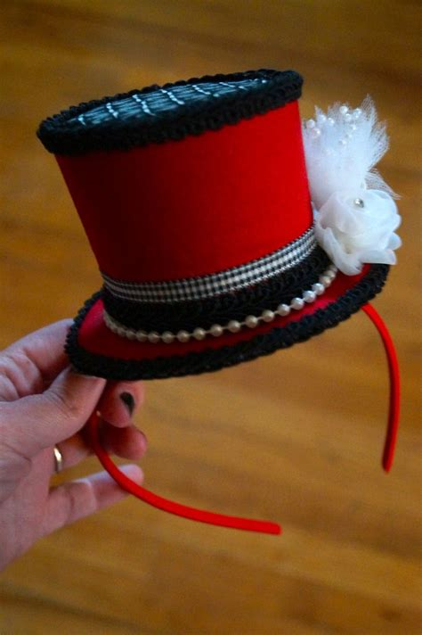 How To Make A Top Hat Out Of Paper - 25 best ideas about mini top hats on top hats