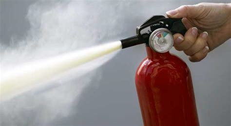 Spray And Deny All Knowledge With The Extinguisher top 10 best extinguishers of 2017 reviews pei